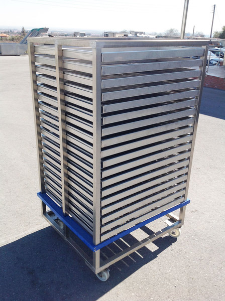 Photo DRYER TROLLEY WITH TRAYS