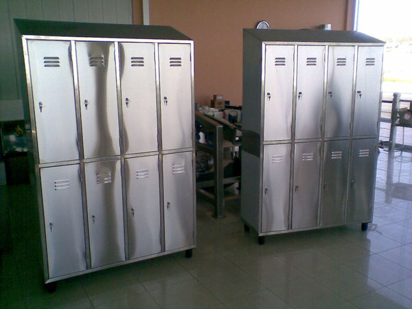 LOCKERS WITH 8 COMPARTMENTS
