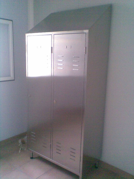 LOCKERS WITH 2 COMPARTMENTS